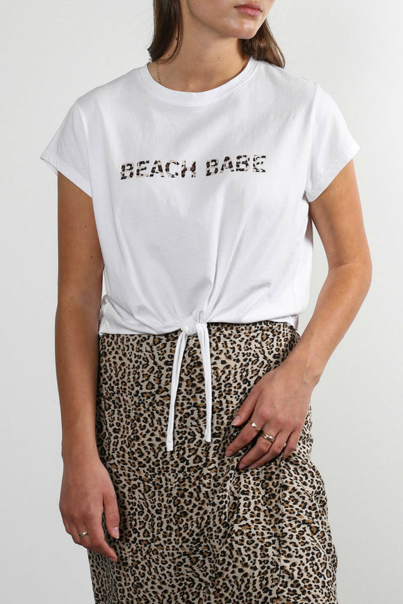 white beach babe tee from brunette the label