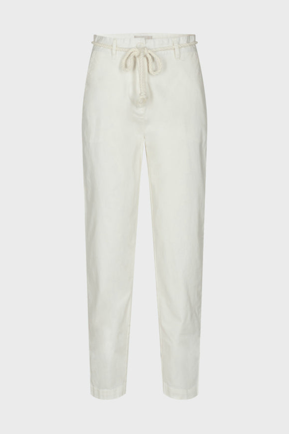 Minimum women's casual white pants for spring. Jolie folie boutique