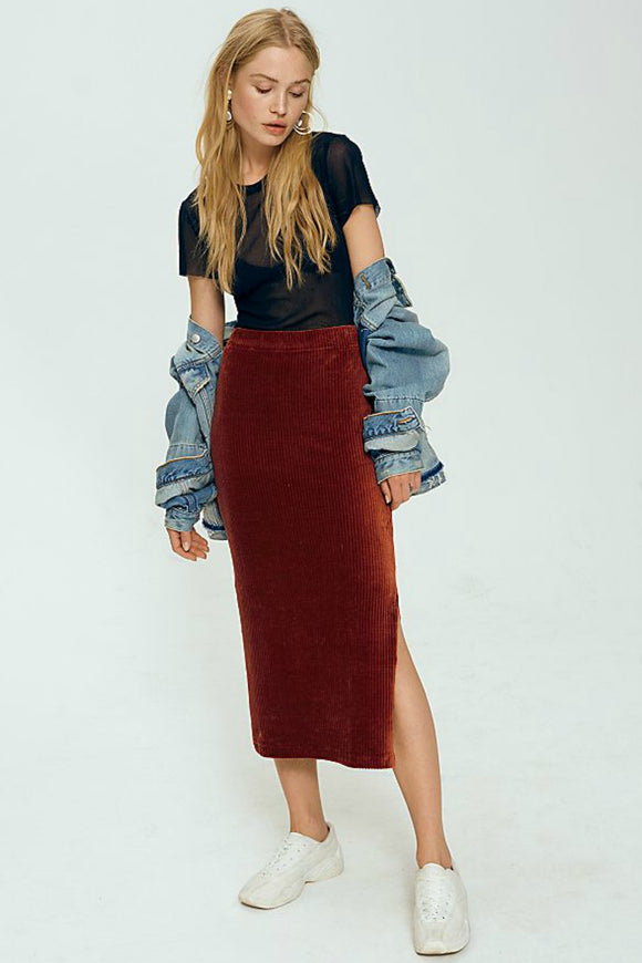 Street wear look. Rib tube skirt from free people. Jolie Folie Boutique