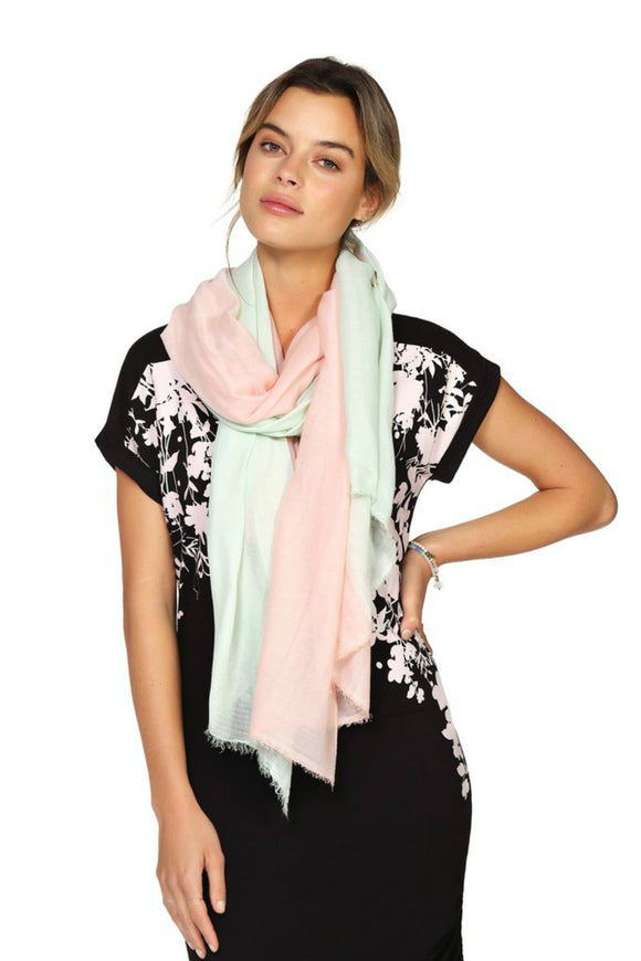Womens pink lightweight scarf for spring and summer. Jolie folie boutique