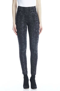 I love tyler madison pants. The Vicky snake skin print. Jolie folie boutique