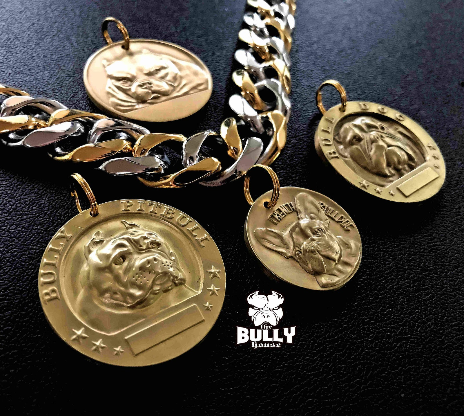 BULLDOG MEDALLION - GOLD - 4cm big (free shipping in AUST)