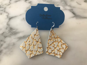 White and Gold Dinosaur Exaggerated Pointed Teardrop Earring