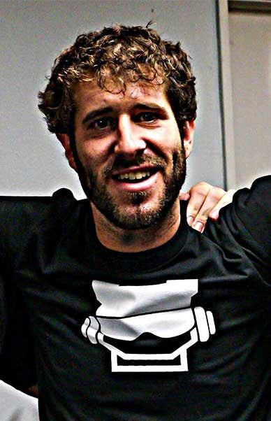 Professional Rapper Lil Dicky Meets Rookie Rise