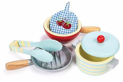 New Le Toy Van Honeybake Pots & Pans Kitchen Cookware Wood Wooden Set - BumpsieDaisy