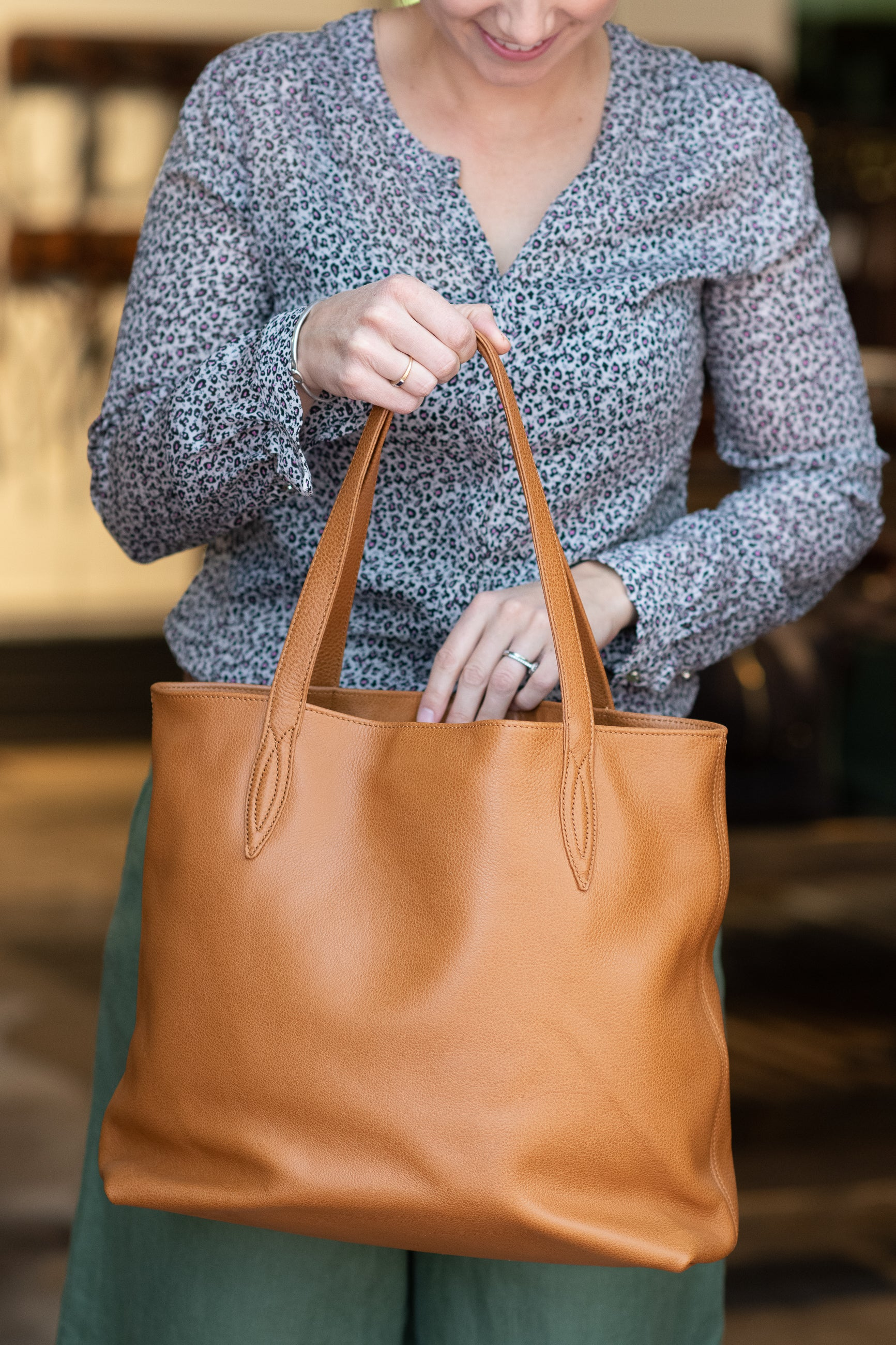 Annabella Tote Bag - an insider's inside perspective!