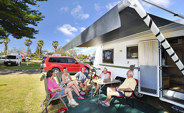 Novapro Sport's Top 5 Easter Camping Spots in Australia Big4 Sydney Lakeside National Park Narrabeen