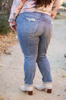 Easy Living Distressed Boyfriend Jeans