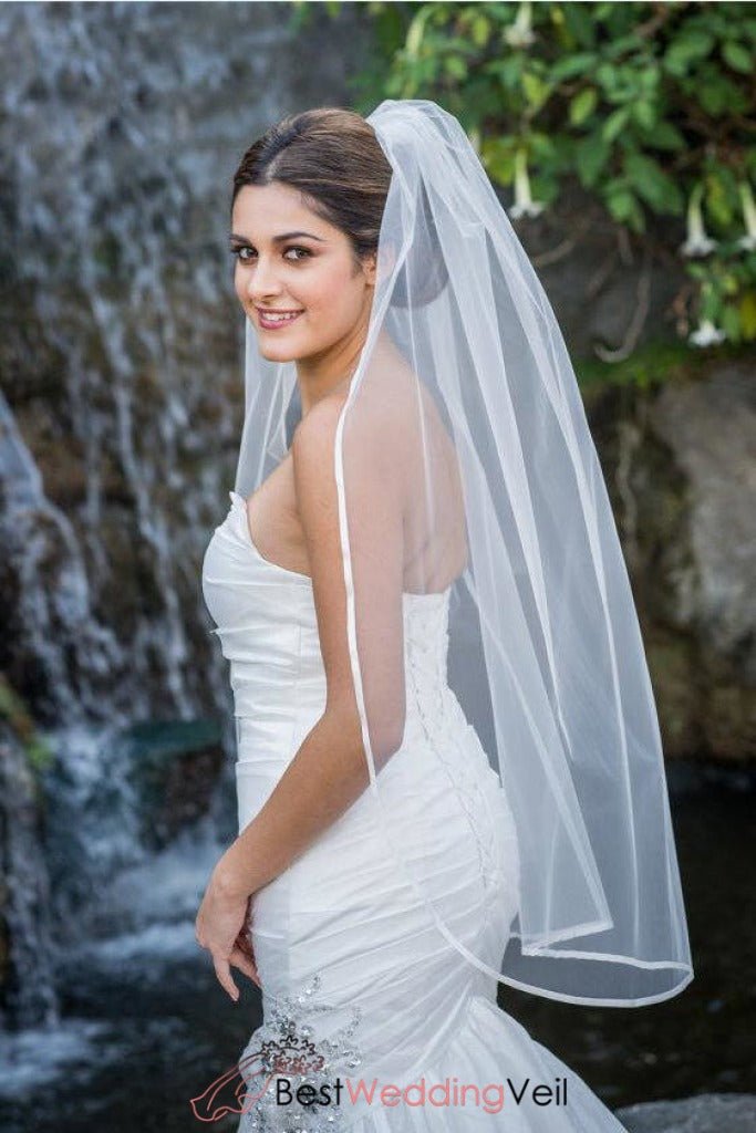 1t-layer-fingertip-length-wedding-veil-with-satin-trim-edge