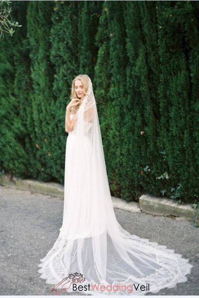 all-round-lace-edged-wedding-veil-cathedral-length