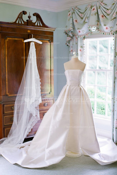 beautiful-lace-edged-long-bridal-veils-cathedral-length-3