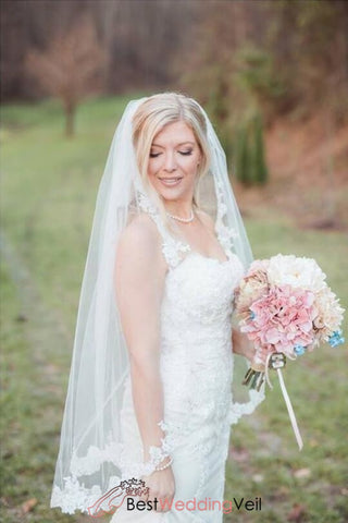 cascade-lace-veil-with-comb-single-tier-fingertip-wedding-veils