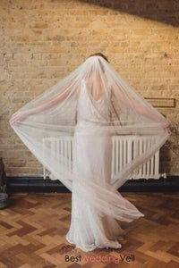 chapel-length-full-single-tier-tulle-wedding-veil-raw-edge