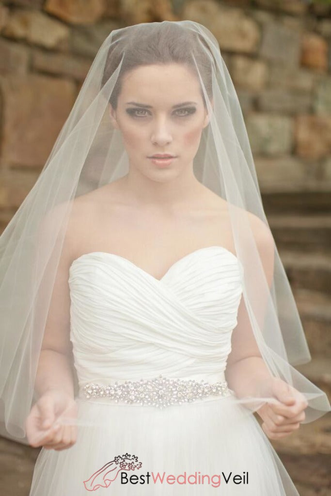 circle-drop-style-elbow-length-wedding-veil-with-blusher