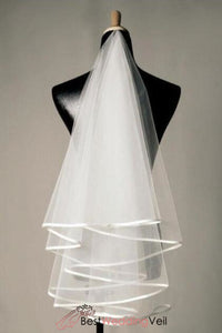 classic-double-tiers-short-wedding-veil-with-satin-ribbon-edge