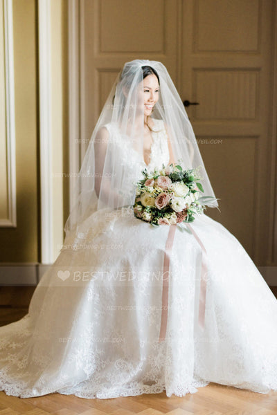 cut-and-lace-appliqued-edge-double-tier-wedding-veil-with-blushers