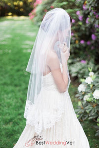 double-layers-tulle-lace-edge-short-bridal-veils-with-blusher