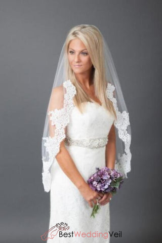 elegant-appliqued-lace-short-wedding-veil-single-tier-tulle