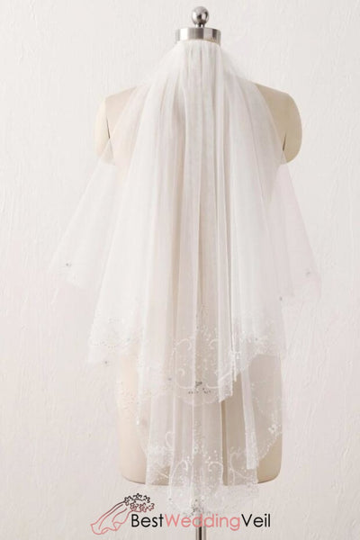 embroidered-sewing-beads-wedding-veil-short