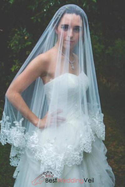exquisite-soft-tulle-veil-ethereal-wedding-veil-with-applique-lace-trim