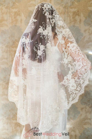 fingertip-length-single-layer-floral-full-lace-wedding-veil