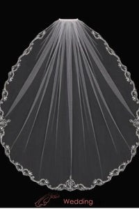fingertip-wedding-veil-with-beaded-silver-embroidery