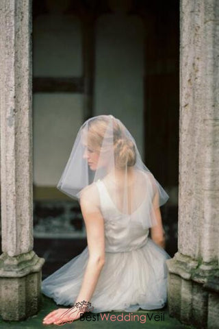 fly-away-short-wedding-veil-styles-circle-raw-edge-blusher-drop-veils