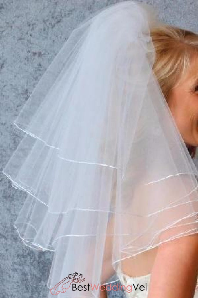 four-layer-short-wedding-veil-with-pencil-edge