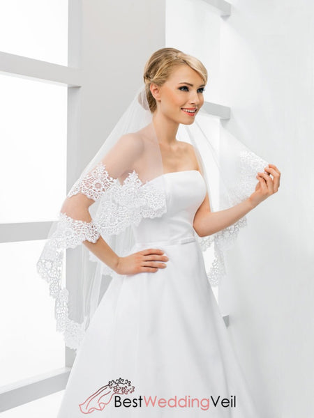 Double Layers Tulle Fingertip Length Wedding Veils Appliqued Edge Veil