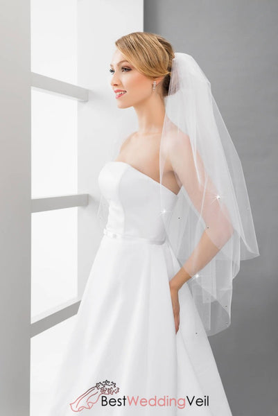 Simple Tulle Three Tiers Fingertip Length Wedding Veils With Comb Veil