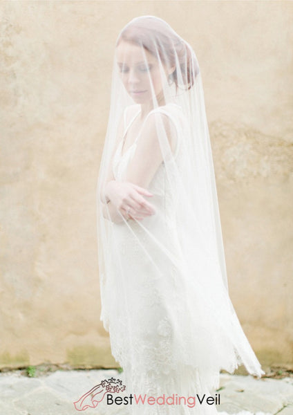 Circle Wedding Veil Ivory Wide Delicate Lace Edge