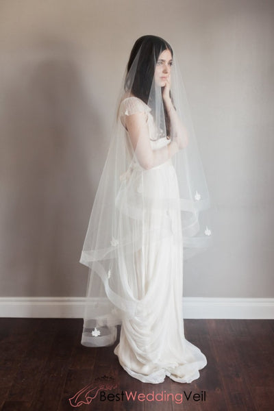 Classic Look Long Drop Wedding Veil Lace Detail Netting Edge