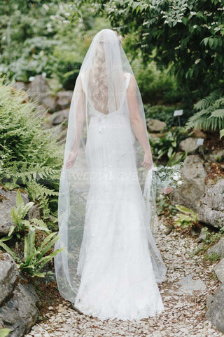 ivory-tulle-floor-length-wedding-veils-with-comb