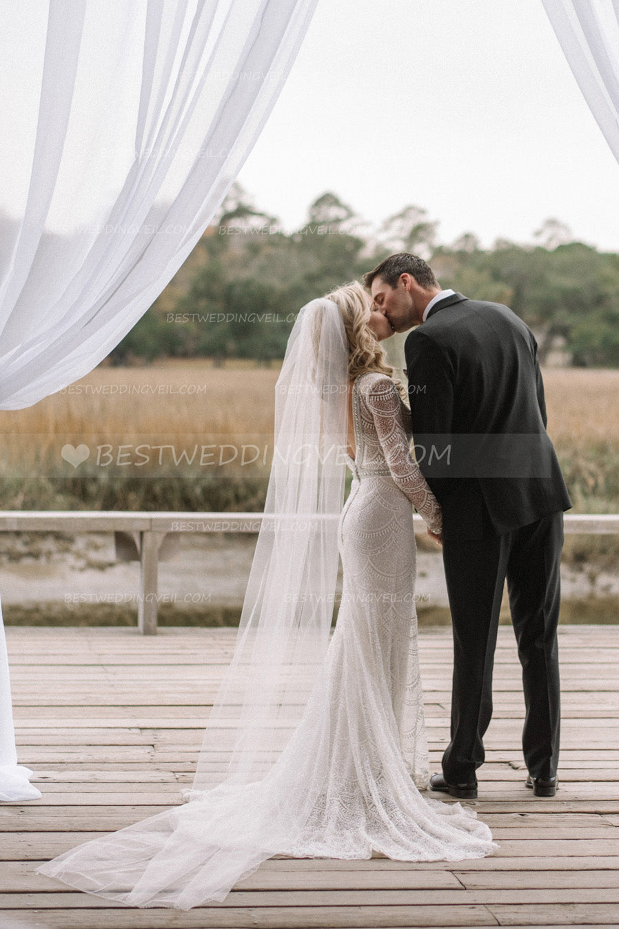 ivory-tulle-long-simple-wedding-veil-with-comb