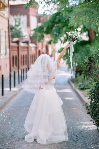 netting-edge-ivory-elbow-length-wedding-veils-with-blusher