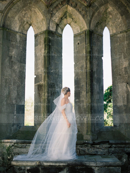 one-layer-tulle-ivory-long-veil-for-wedding-3