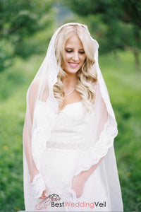 one-layer-tulle-lace-edged-waltz-length-destination-wedding-veils