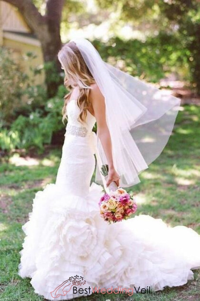 pretty-cut-edge-wedding-dress-veil-fingertip-length
