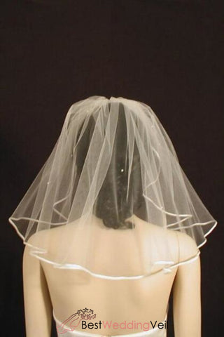 scattered-pearls-wedding-veil-shoulder-length-with-satin-ribbon-edge