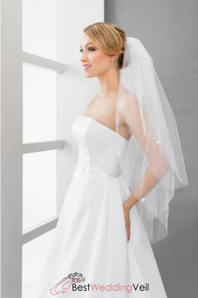 simple-tulle-three-tiers-fingertip-length-wedding-veils-with-comb