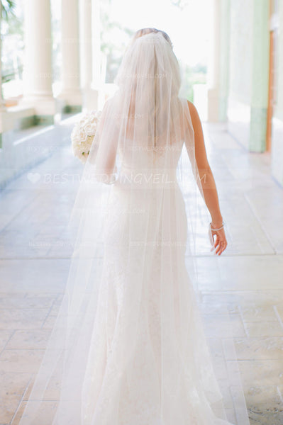 single-tier-ivory-tulle-wedding-veil-for-bride-1
