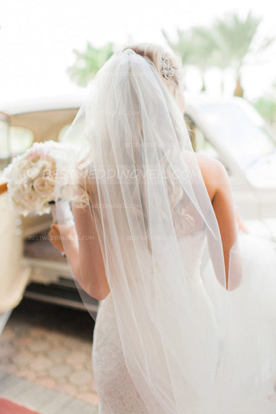 single-tier-ivory-tulle-wedding-veil-for-bride