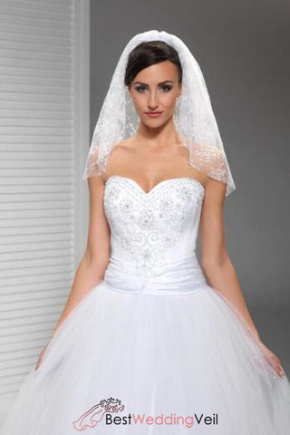 soft-lace-shoulder-length-bride-veils-for-weddings