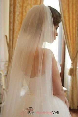 soft-tulle-cathedral-ivory-wedding-veil-1-tier