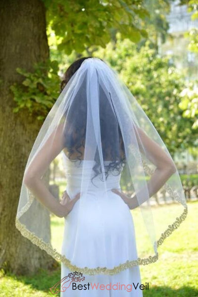 soft-white-tulle-bridal-veil-with-mantilla-gold-lace-applique-edge