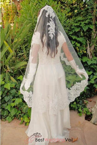spanish-style-alencon-lace-mantilla-wedding-veil-knee-length