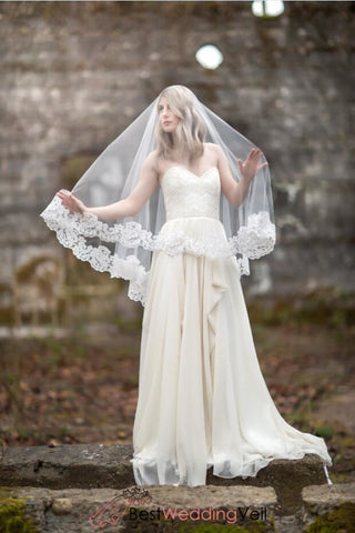 traditional-lace-edge-waltz-length-wedding-veil-patterns