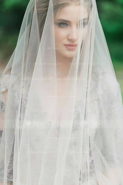 tulle-outside-wedding-long-veil-with-blusher-2