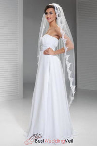 waltz-length-wedding-veil-lace-appliqued-edge-one-layer-tulle