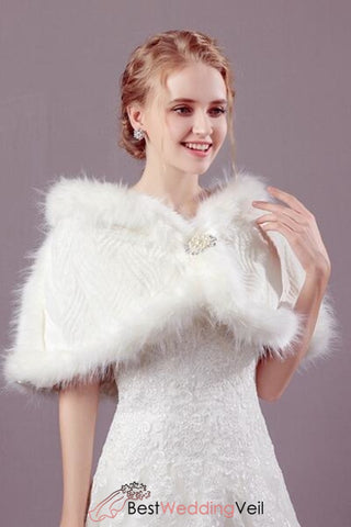 winter-church-wedding-dinner-wraps-and-jacket-faux-fur-cape